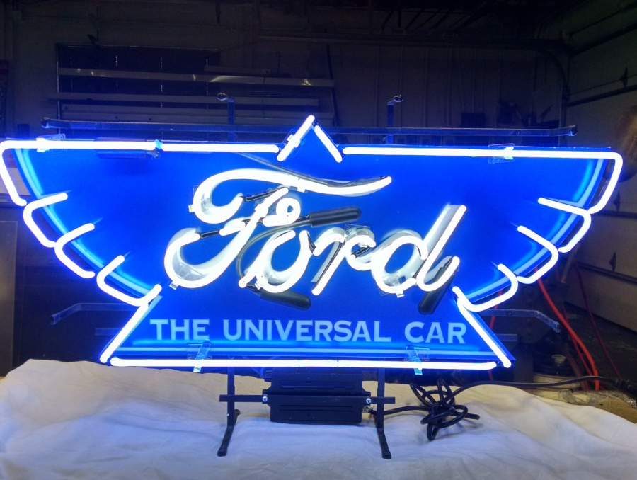 Neon Is An Art And At Bent Custom We Can Make You One Of A Kind Sign Or Replicate Something Saw Loved Our Attention To Detail